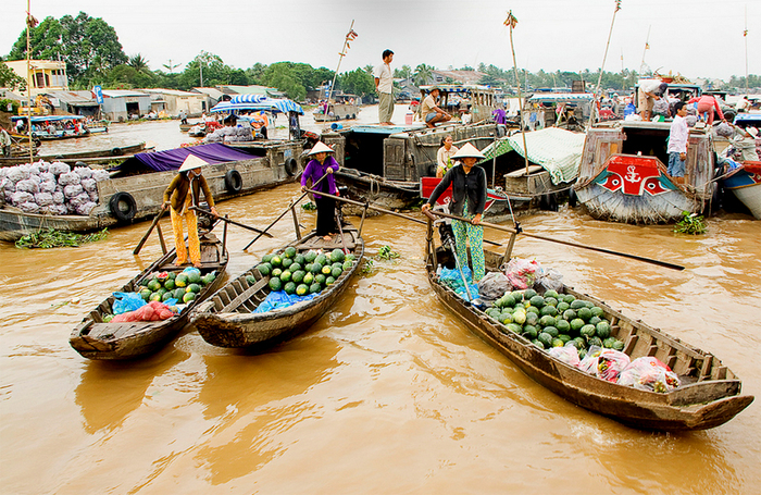 Cai Rang Floating Market-2