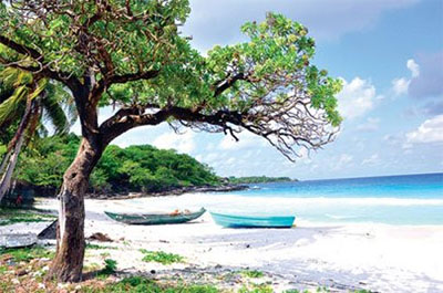 The seashore at Tu, an island of Tho Chu archipelago, withwhite sand and purely blue sea