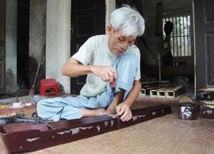 Preserving handmade traditional craft in Dao Xa village