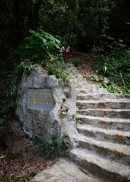 Tien Ca Cave in Ninh Binh Province-2