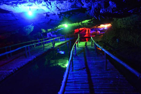 Tien Ca Cave in Ninh Binh Province-3