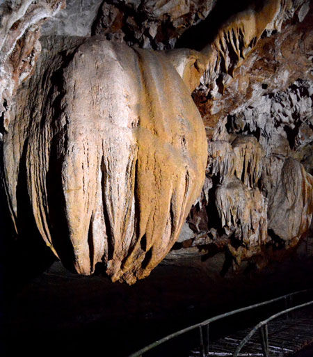 Tien Ca Cave in Ninh Binh Province-8