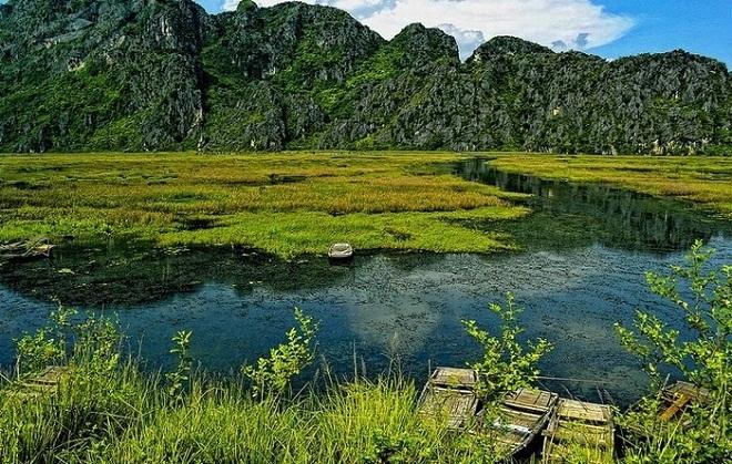 Peaceful life of local people along Van Long lagoon