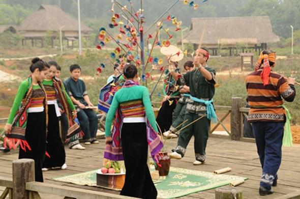 Rain Praying Festival of White Thai people