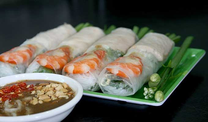 Vietnamese fresh rolls bewitch international travelers-01
