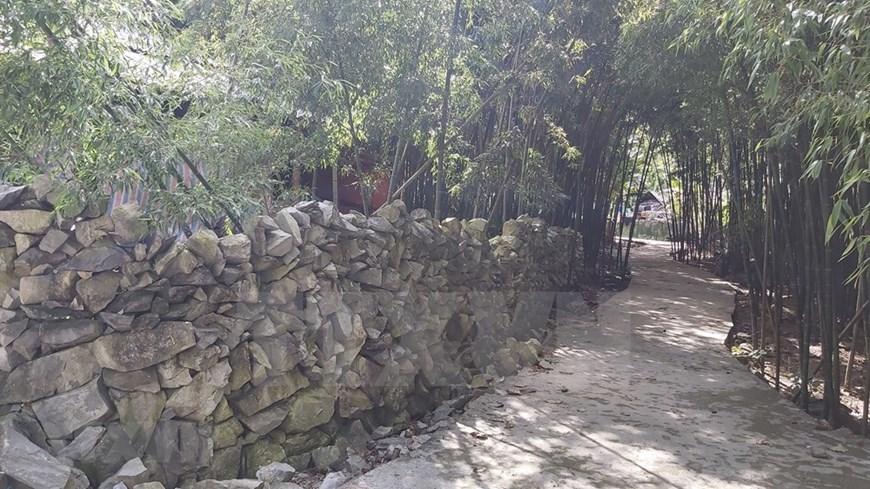 Rock fence - Mong's unique architecture-02