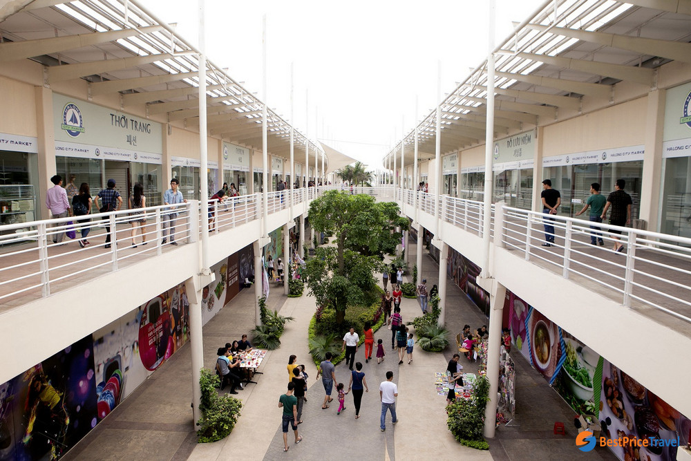 Bai Chay Shopping Mall