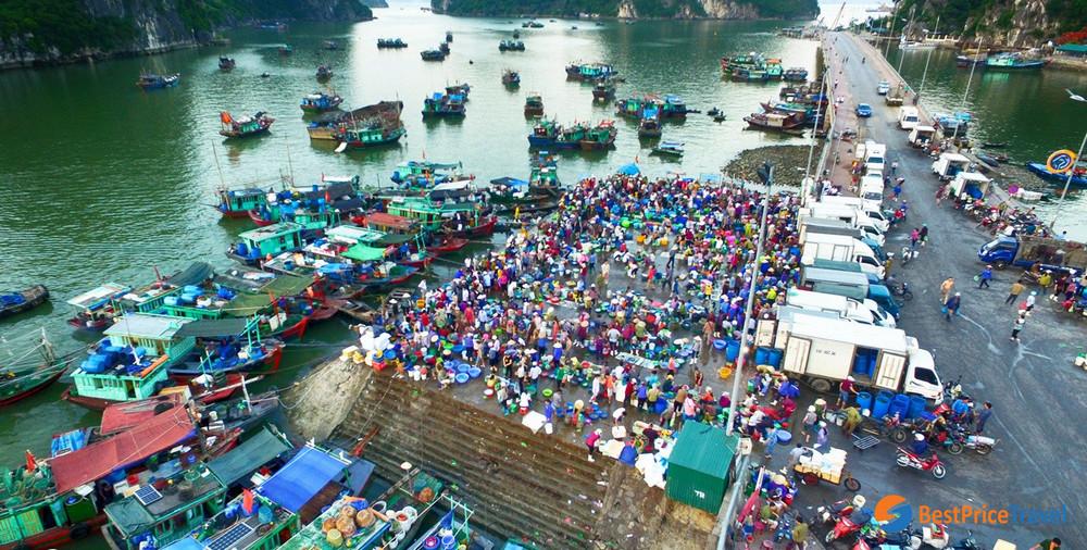 Hon Gai Market